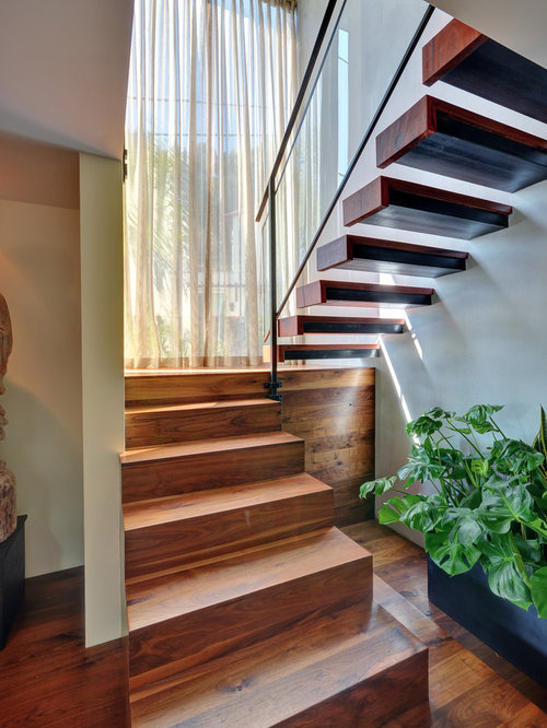 Large stair landing window home design ideas pictures - Home designer stairs with landing ...