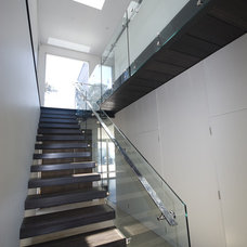 Modern Staircase by Rudolfsson Alliker Associates Architects