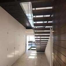 Modern Staircase by Rudolfsson Alliker Associates Architects