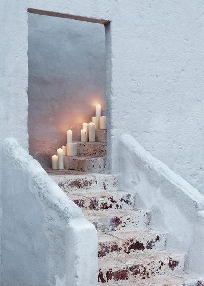 Méditerranéen Escalier by Alexander Waterworth Interiors LTD