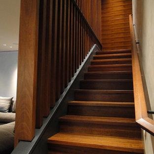 フェニックスのモダンスタイルのおしゃれな階段の写真