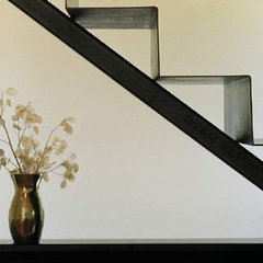 modern staircase by Eggleston Farkas Architects