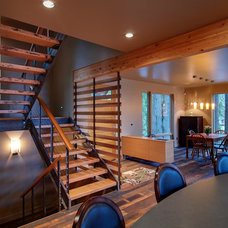 Contemporary Staircase by Six Degrees Construction