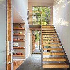 Contemporary Staircase by Dettaglio Construction Inc.