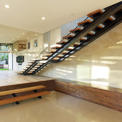 modern staircase by DANIEL HUNTER AIA Hunter architecture ltd.