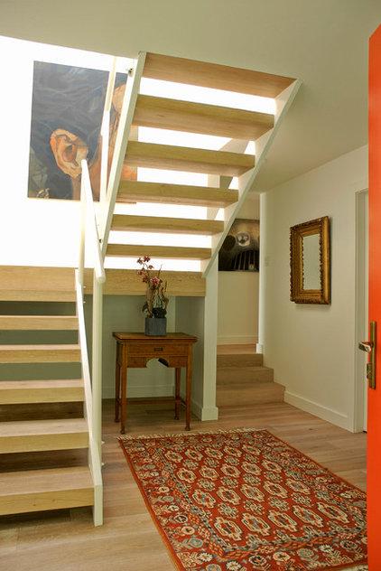 Современный Лестница by Heather Merenda