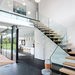 Minimal Organic Interior in Whistler