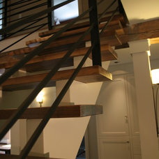 Transitional Staircase by Studio KL