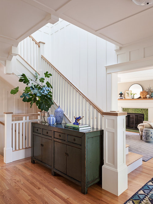 Example Of A Mid Sized Arts And Crafts Wooden L Shaped Wood Railing  Staircase