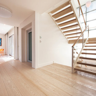 Imagen de escalera en U moderna