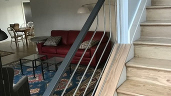 Modern Wood & Metal Railing