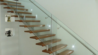 Mono string steel staircase