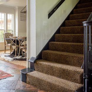 ダラスのエクレクティックスタイルのおしゃれな階段の写真