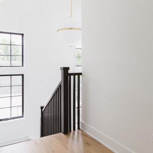 Источник вдохновения для домашнего уюта: лестница в скандинавском стиле