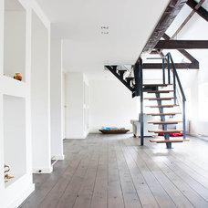 Contemporary Staircase by Louise de Miranda