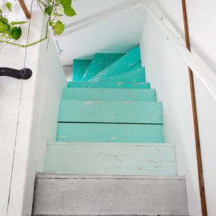 プロビデンスのエクレクティックスタイルのおしゃれな階段の写真