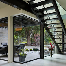 Contemporary Staircase by Ainslie-Davis Construction