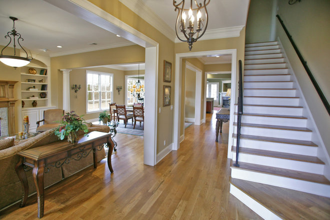 Traditional Entry by David Clark Construction, LLC