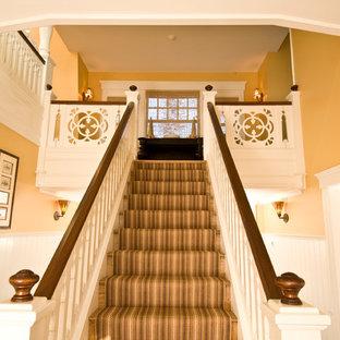 Idéer för en klassisk trappa i trä, med sättsteg i trä