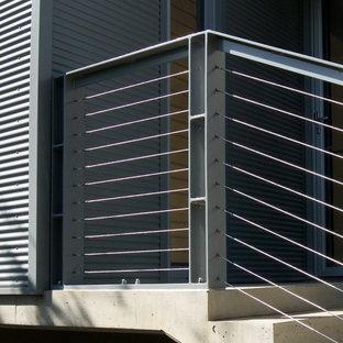 アデレードの小さいコンクリートのモダンスタイルのおしゃれな直階段 (コンクリートの蹴込み板) の写真