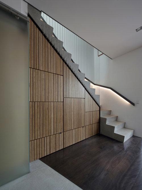 Lighting Basement Washroom Stairs: Warm Lighting