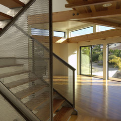 modern staircase by David Vandervort Architects
