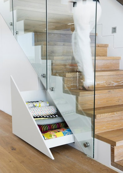 Contemporary Staircase by Point 2 Design