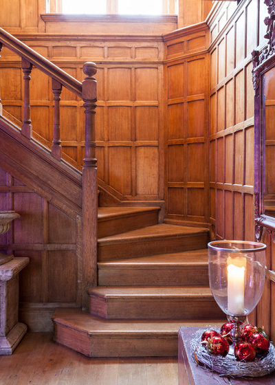 Traditional Staircase by Chris Snook