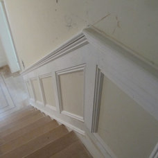Traditional Staircase by GUILTEC LLC