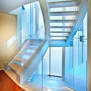 サンディエゴのコンテンポラリースタイルのおしゃれな階段の写真