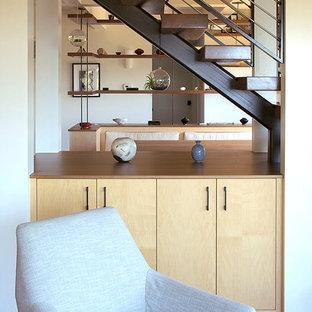 Foto de escalera suspendida, costera, pequeña, sin contrahuella, con escalones de madera