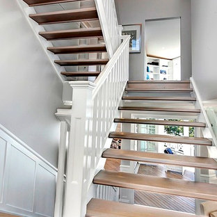 Staircase - mid-sized traditional wooden open staircase idea in Brisbane
