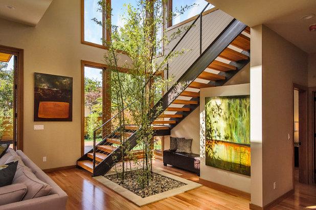 Asiatique Escalier by Dennis Mayer - Photographer