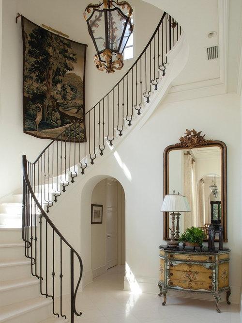treppen mit holz setzstufen und gefliesten treppenstufen ideen design bilder houzz. Black Bedroom Furniture Sets. Home Design Ideas