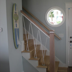 traditional staircase by Cottage Home, Inc.