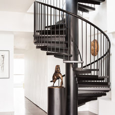 Contemporary Staircase by Terris Lightfoot Contracting Ltd.