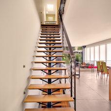 Modern Staircase by Chris Pardo Design - Elemental Architecture
