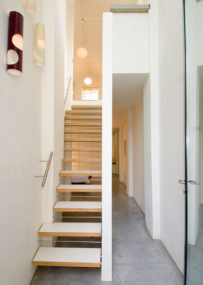 Contemporary Staircase by Threefold Architects
