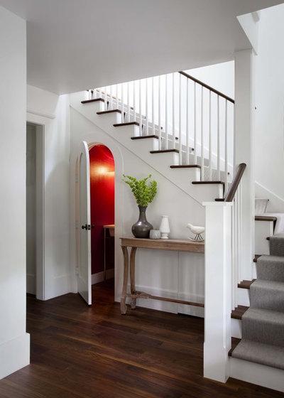 Классический Лестница by Tim Cuppett Architects