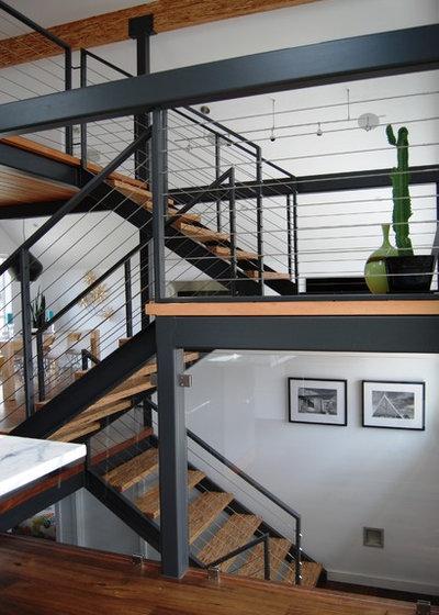 Contemporain Escalier by Portal Design Inc