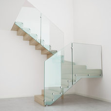 Contemporary Staircase by Stair Lab / Rintal USA