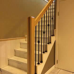 ミネアポリスのモダンスタイルのおしゃれな階段の写真