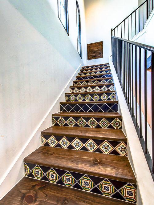 photos et id es d co d 39 escaliers sud ouest am ricain en l. Black Bedroom Furniture Sets. Home Design Ideas