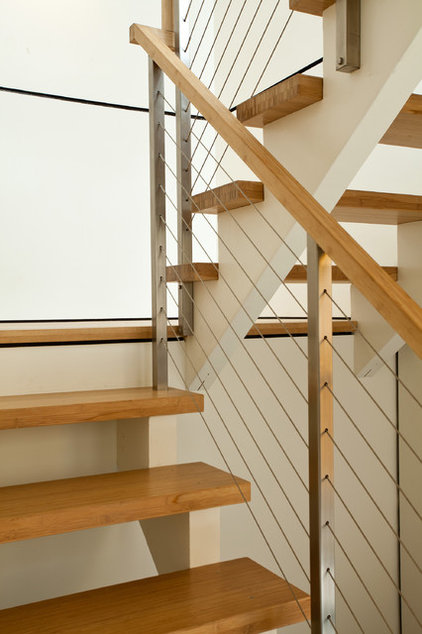Modern Staircase by Swatt   Miers Architects