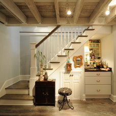Traditional Staircase by Aggregate Architecture & Design