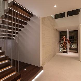 Modelo de escalera suspendida, costera, extra grande, sin contrahuella, con escalones de madera y barandilla de varios materiales