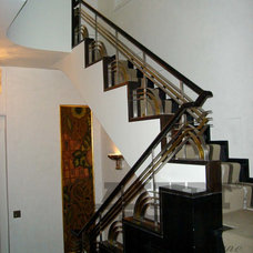 Modern Staircase by ALMET Traditional Blacksmithing
