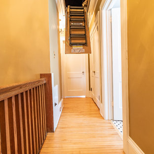 Imagen de escalera recta tradicional