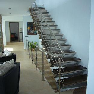 マラガのトランジショナルスタイルのおしゃれな階段の写真