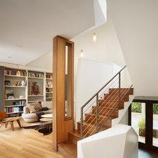 Modern Staircase by Marina Rubina, Architect